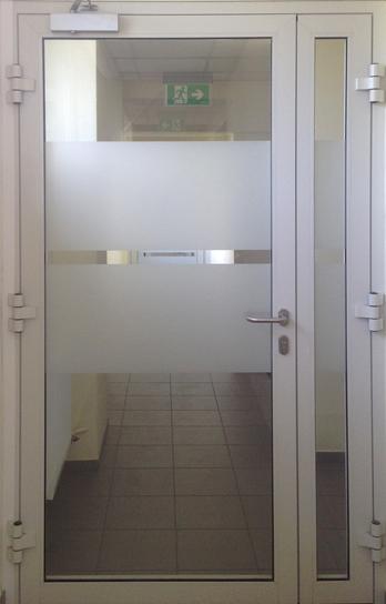 Sandarios dūmams durys